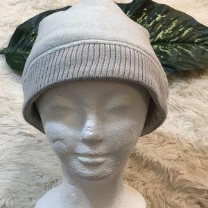 LOLE Grey fleece hat, super soft